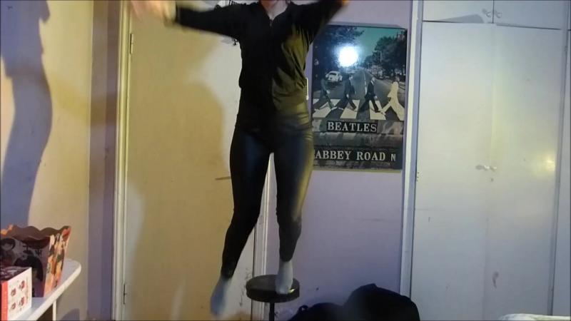 Eu dansano uma musica q tentei imitar um chino mas nao consegui e saiu isto