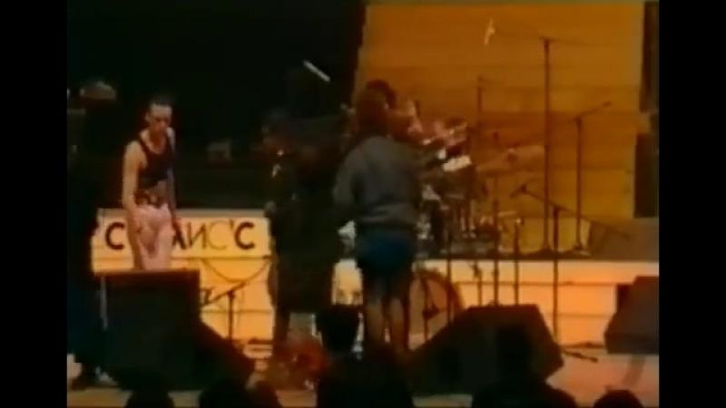 Группа КИНО(Виктор Цой) - концерт в Олимпийском. Москва 5.5.1990