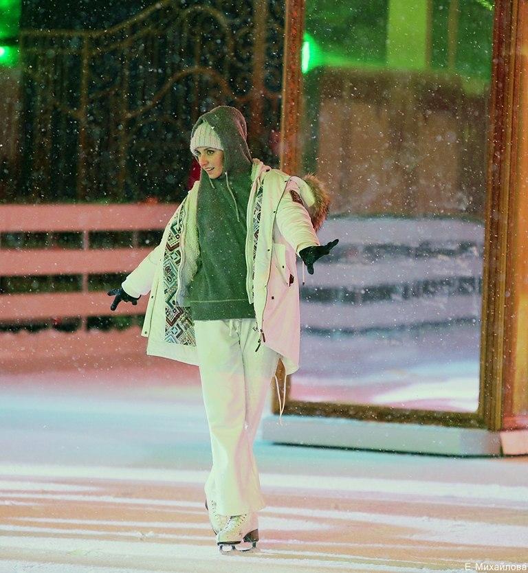Ледовые шоу 2017 - - Страница 3 1vnFMQ4KQxI