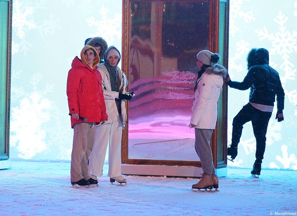 Ледовые шоу 2017 - - Страница 3 KLULlqgnHgE