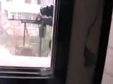 Сирия,снайпер SAA отв огнем снимает пулеметчика хит