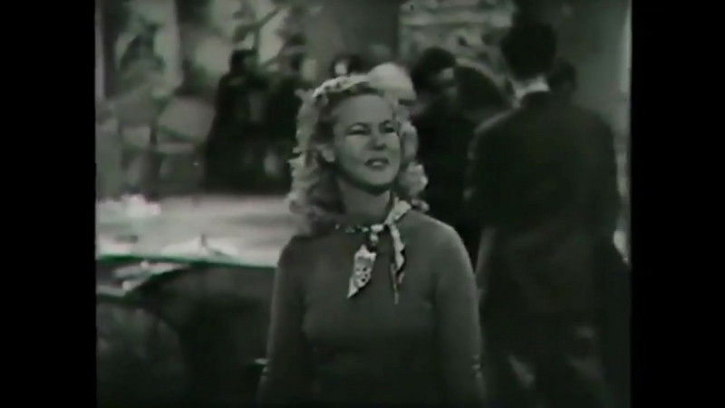 Sweater Girl (1942) in english eng