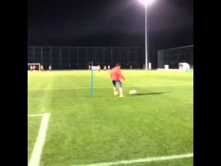 Aras Ozbiliz DAY 144: Some cardio and coordination with the ball..!!