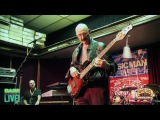 Tony Levin Jams at the Ernie Ball Music Man booth at Bass Player Live - Part 2