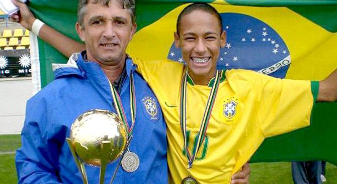 Lucho Nizzo ao lado de Neymar na Seleção Brasileira Sub 15, quando da conquista do Sul-Americano