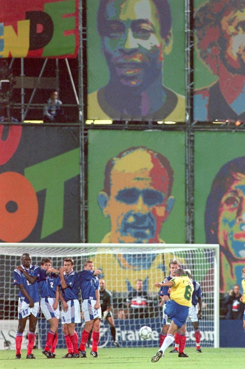 El gol imposible de Roberto Carlos