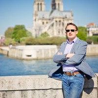 Гид в Париже, Александр Лазорев