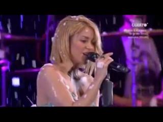 Shakira premio especial  antes de las 6 premios40 principales 2011