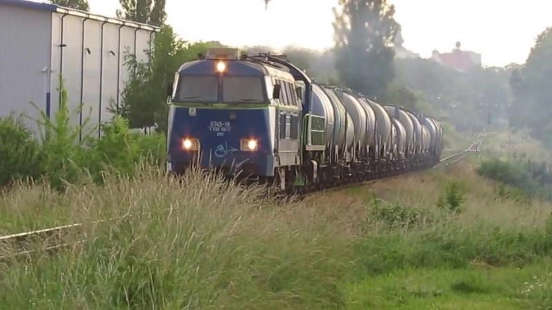 ST45-18 i SM48-065 z melasa wyjezdzaja z Zamoscia