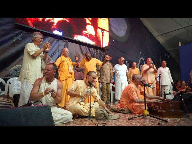 Ниранджана Свами. Бхакти Сангама 2015. Киртан. (драйвовый фрагмент)