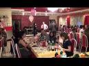 Веселый застольный конкурс- игра на свадьбе, юбилее для гостей «Страстный поцелуй». Видео №18 из 23.
