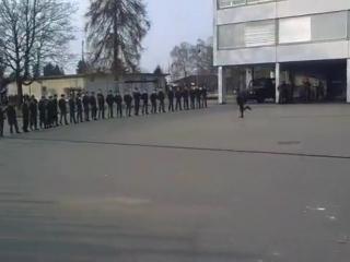 танцы под Майкла Джексона в армии (мега прикол)
