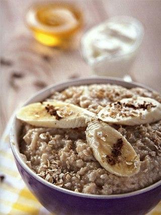 Фото рецепта: Овсянка с пряным бананом и йогуртом