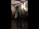 Все танцуют локтями 😄