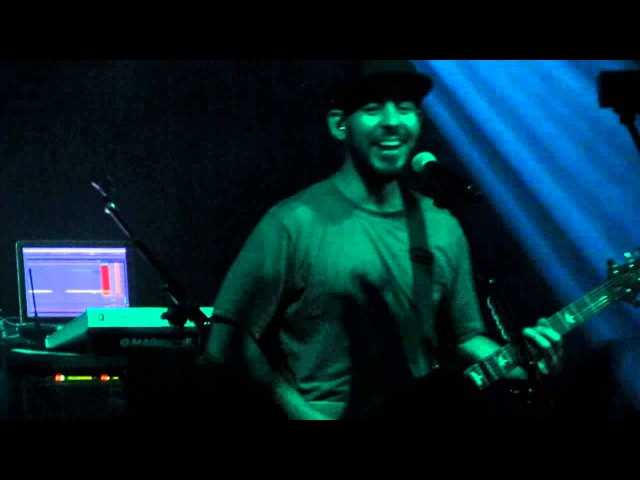 Mike Shinoda - Fort Minor Dolla, Waiting for the End Hands Held High Medley -