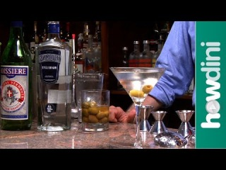How to make a dirty martini - Dirty martini drink recipe