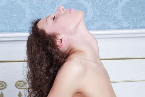 Amateur milf submissive