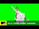 VMA 2015: Miley Cyrus Rides Her Way Into The VMAs | MTV