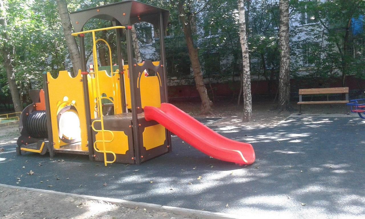 В Выхино обустроены две детские площадки в рамках программы «Моя улица»