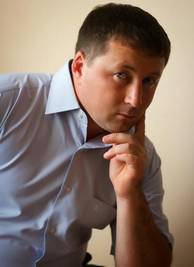 Илья Тихонов