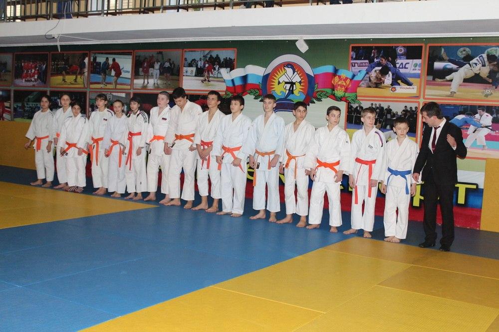 Таганрогские дзюдоисты показали хорошие результаты в составе сборной РО на первенстве ЮФО