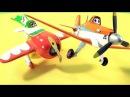 Самолеты летачки Дасти и Эль Чупакабра собирают пазл. Disney Planes.
