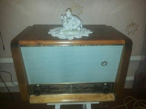"""радиола """"вэф аккорд""""1959."""