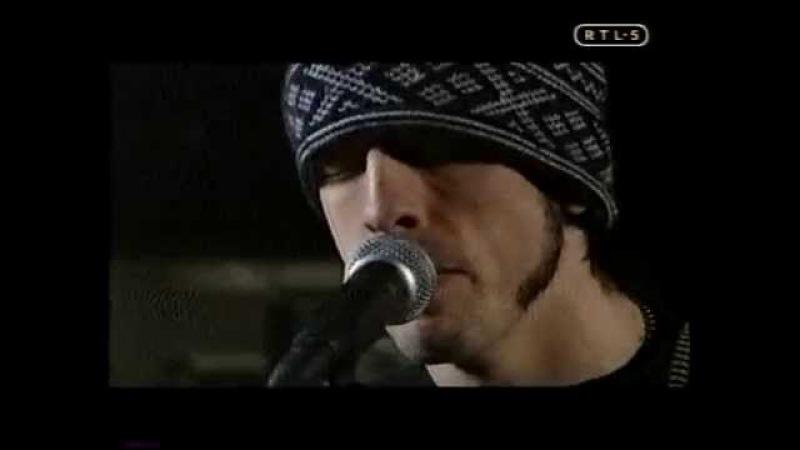 FavOor-ites Foo Fighters - Learn to fly acoustic (Twee meter-sessie)