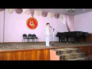 """Мальчик с аутизмом 8 лет 11мес поёт песню Л. Сенчиной """"Добрая сказка"""". Пятый год домашней терапии."""