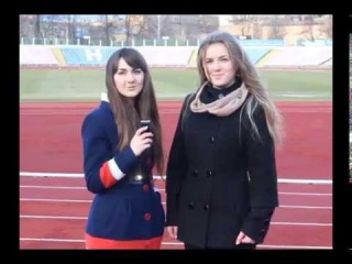 Танюшка Яньшіна і Альона Фесенко для новорічно-футбольного конкурсу ТСН Проспорт