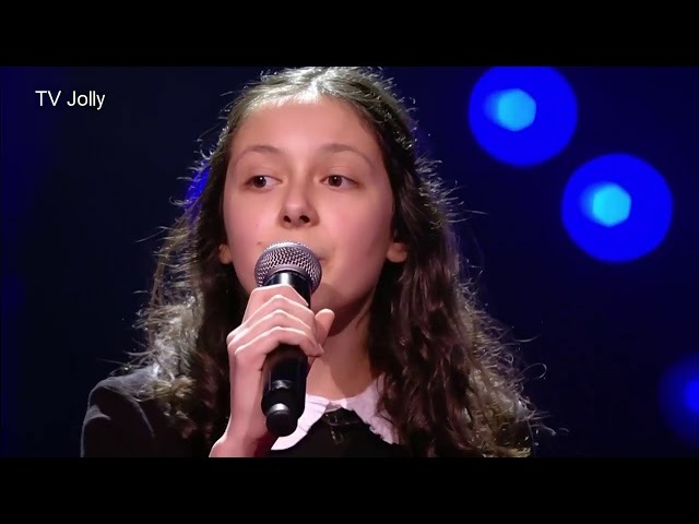 TOp 10 Most Beautiful Girl Blind Auditions The Voice Kids ( NO2)
