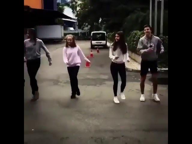 Edis ve Gökçe Bahadırdan Dans Şovu YENİ