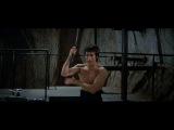 Брюс Ли. Знаменитая сцена с нунчаками из фильма