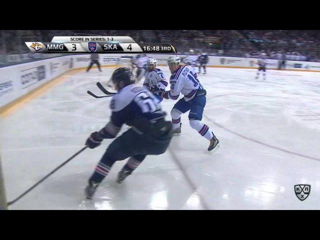 Моменты из матчей КХЛ сезона 16/17 • Интересный момент. Накала пятого матча финальной серии не выдержавает стекло 16.04