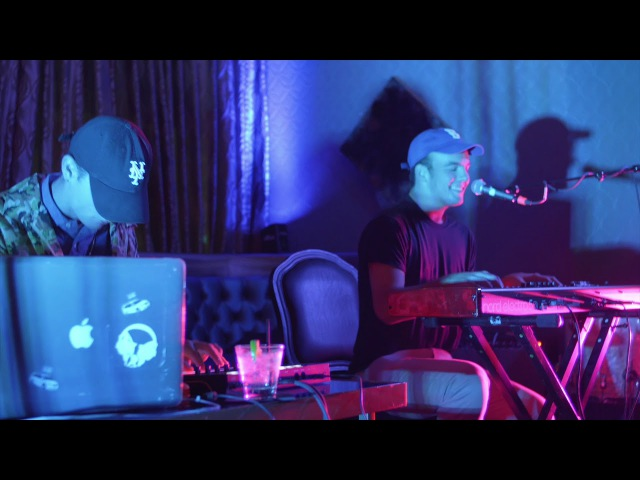 Mac Ayres - Calvin's Joint (Live @ Mama Lion) | Saja Sessions