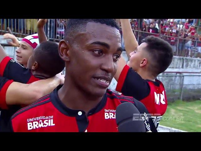 Atuando pelo profissional e na Copa São Paulo do Flamengo Ramon se emociona