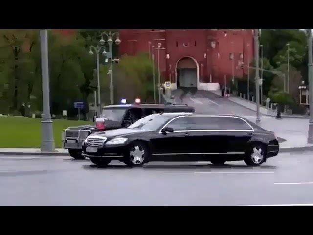 Интересное видео - кортеж Путина выезжает из кремля