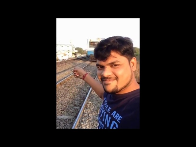 Поезд сбил индуса [ vk.comCINELUX ]