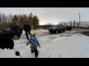 Кто круче Нива, Jimny или Hilux в мокром снегу. За рулем тойоты ребенок!