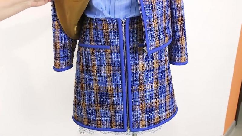Модель костюма в стиле Шанель с отделкой Юбка и жакет с карманами из ткани в сти