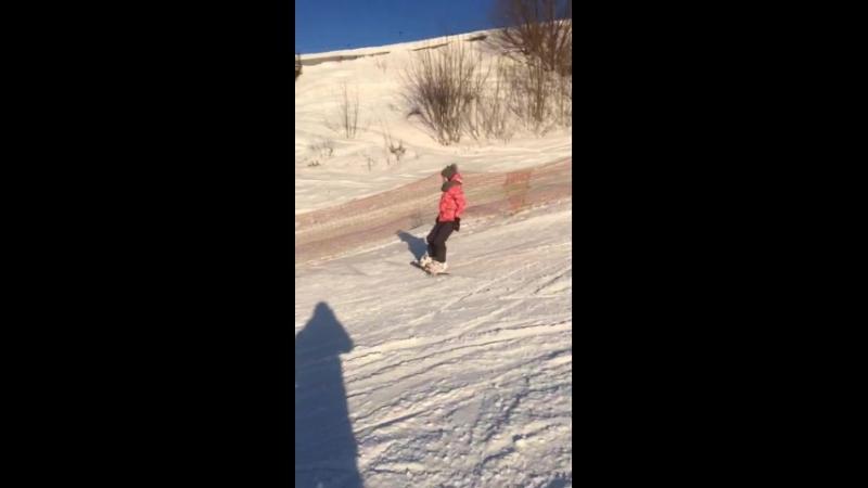 мой первый самостоятельный спуск на сноуборде