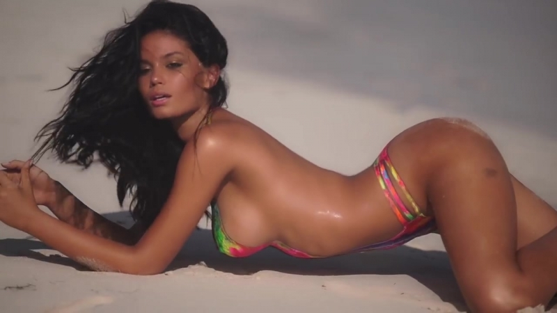 Brazilian Beauty Anne de Paula Bares All In Body Paint Model Search Sports I