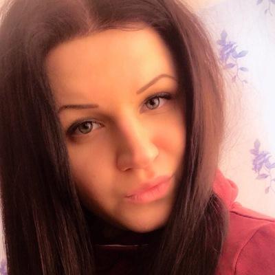 Наташа Полуярова