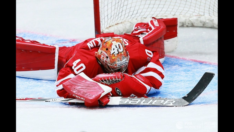 Goaltender Igor Saprykin in action during Dynamo Moscow -Vityaz (Moscow Region)