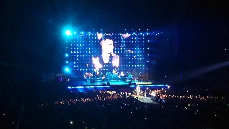 Robbie Williams - Down Under (Men at Work cover) (LIVE) @ Sydney Qudos Bank Arena, 01.03.18