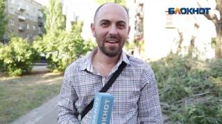 Рядом с приемной Единой России в центре Волгограда рушится жилой дом, - волгогра