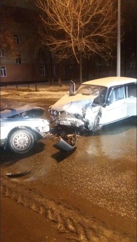 В Альметьевске после столкновения госпитализированы водители легковушек