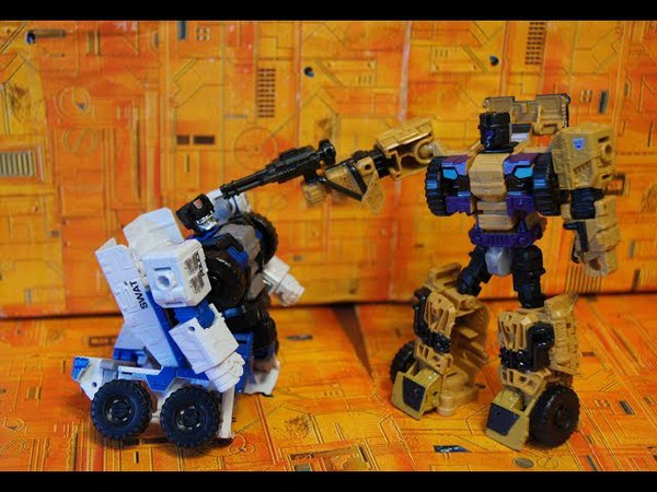 Обзор Hasbro Transformers Generation Combiner Wars Swindle