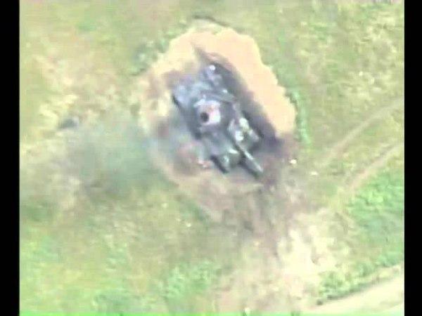 Cəbhədə vurulmuş erməni tankları