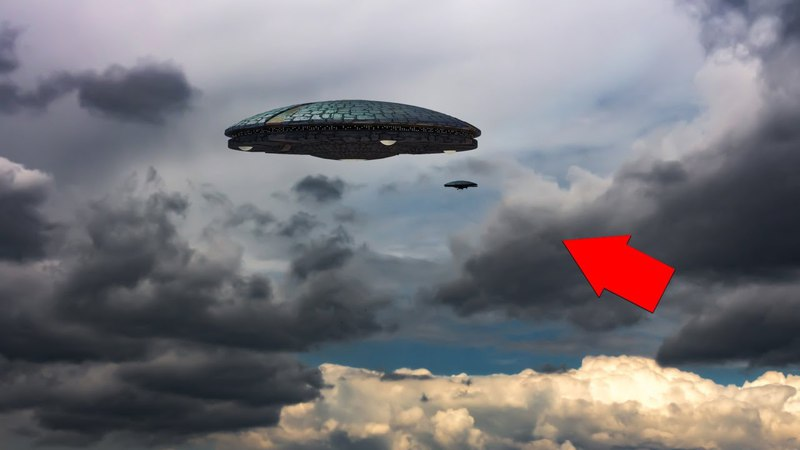 Omg!!Ufo Following Outside The Air Asia Flight!! Flying Saucer Alien Abduction!!